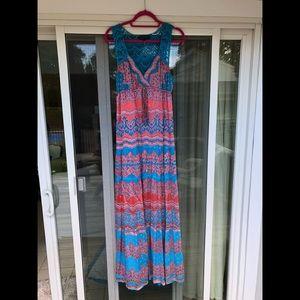 Long dress with crotchet back